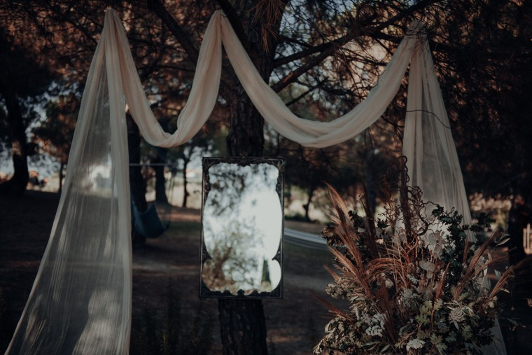 wedding decoration raw and natural