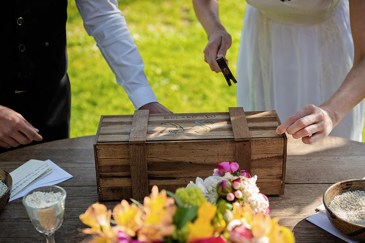 wedding-ceremony-ritual-wine-box